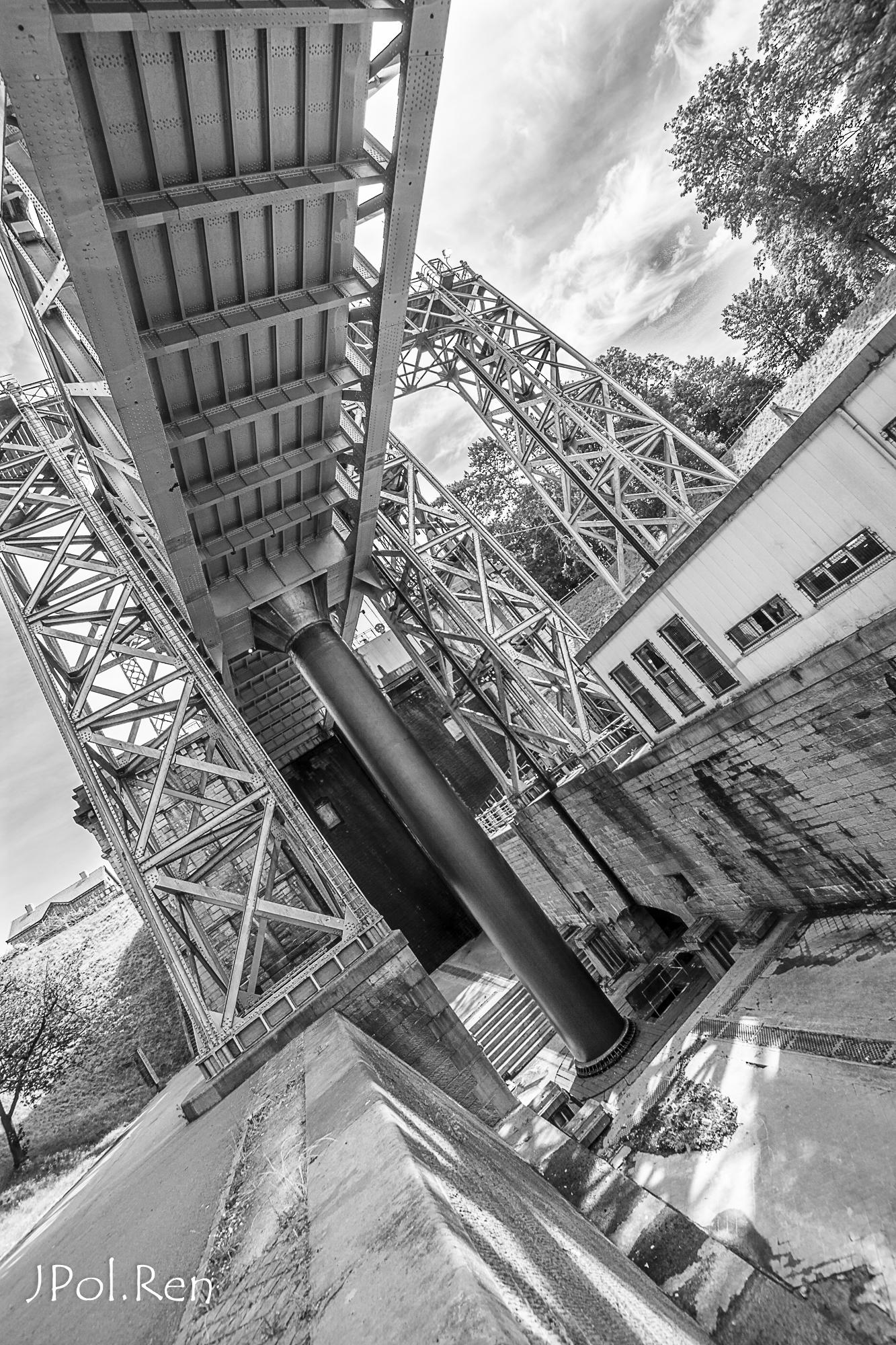 Sortie Ascenseurs canal du centre : Photos 399897GG09asc07012