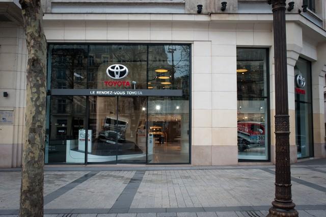 La légende des 4x4 au Rendez-Vous Toyota 400739LRVT4X4201521