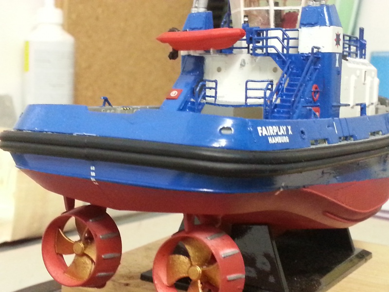 FAIRPLAY Harbour Tug Boat de Revell au 1:144  401190lolo009