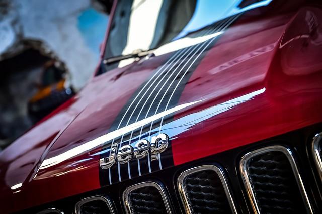Deux Jeep Renegade exclusives pour le Montreux Jazz Festival 403555150707JeepMontreuxconsegna05