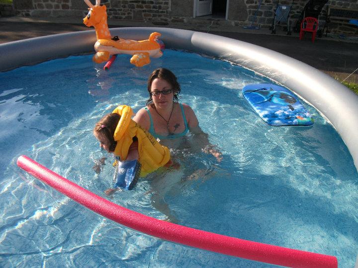 piscine à Johnny - Steli - cassandra 404413PISCINE2