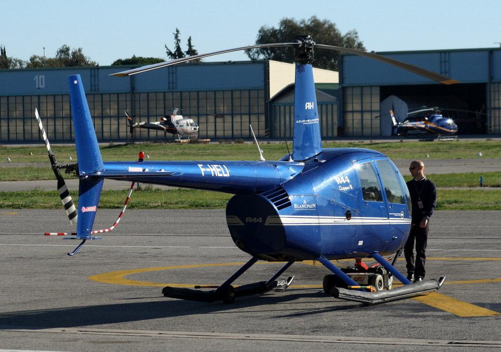 VOL en Robinson R44 autour de LFMD Cannes-Mandelieu 407635IMG0710