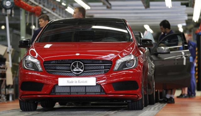 Mercedes Benz : Entrée en production de la Classe A 408943mercedesbenzaclassproduction3