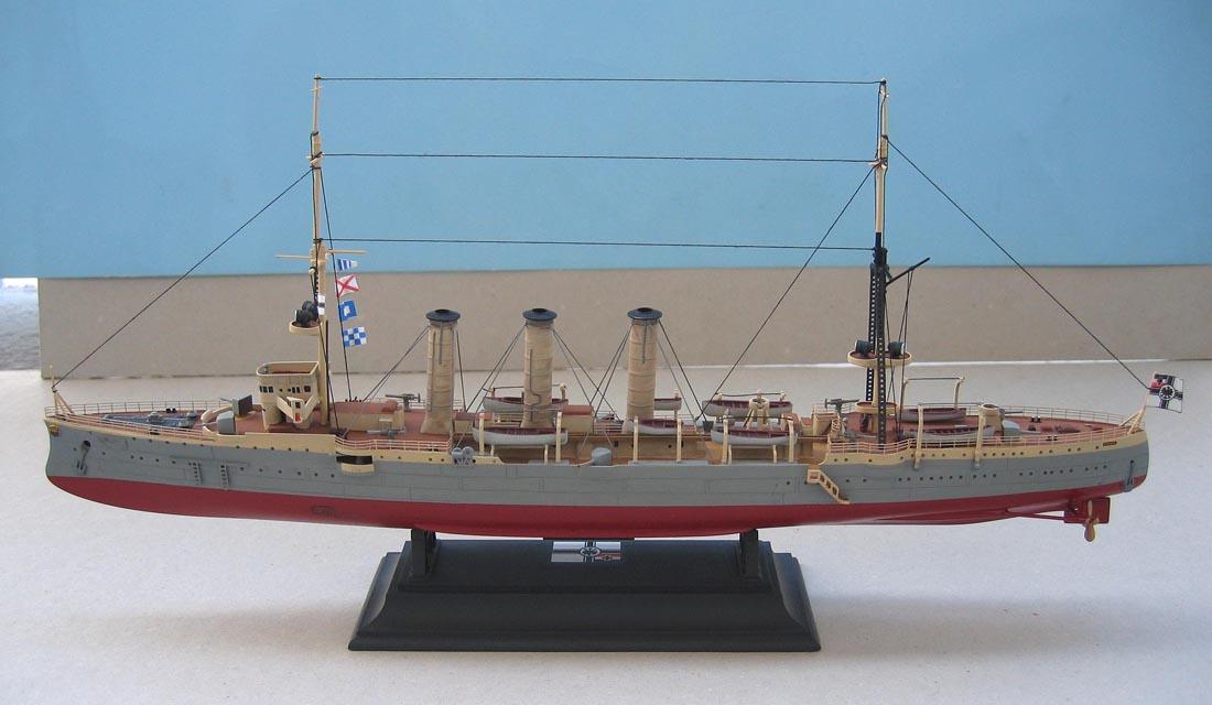 [Revell] Croiseur SMS Emden - 1/350. 409791Emden18