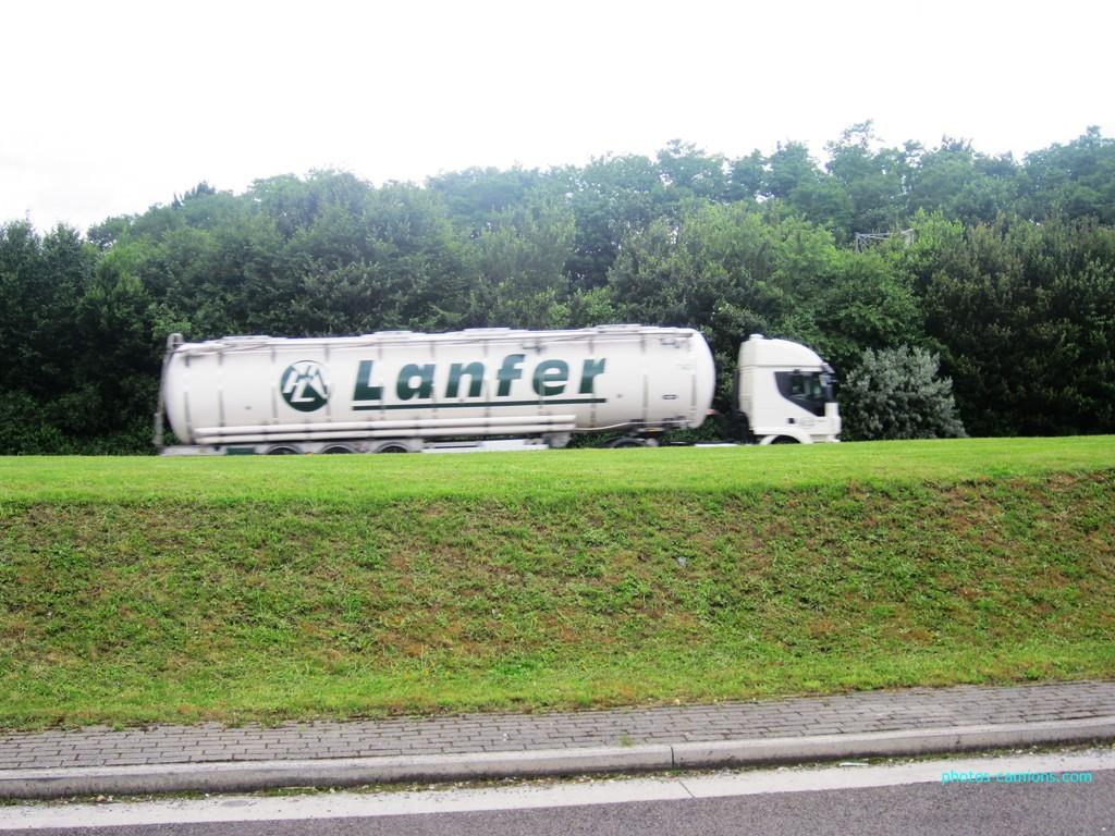 Lanfer Logistik (Meppen) 412407photoscamions21Juin2012009Copier