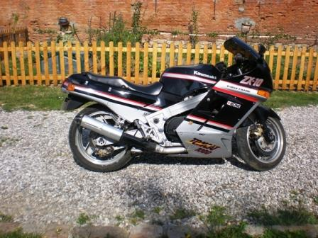 mes photos de mes motos 412527324991543fr0A8bst1RKY