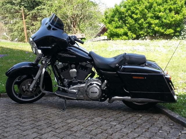 combien de STREET GLIDE  sur le forum Passion-Harley - Page 6 41396620140407111252