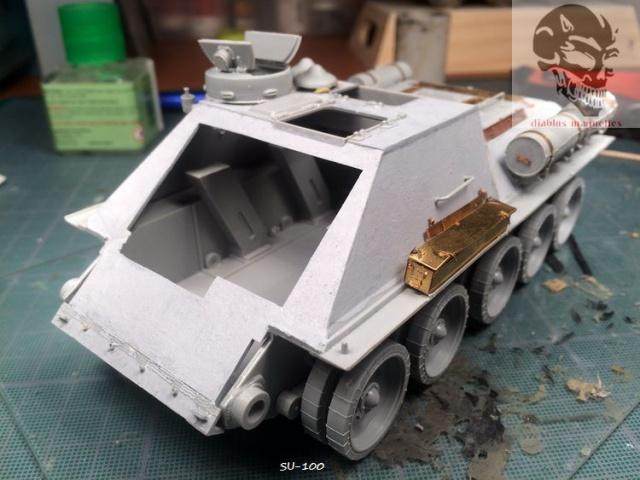 SU-100 marque Dragon 1/35 414469IMG3880