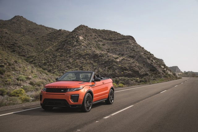 Range Rover Cabriolet, Un SUV Pour Toutes Les Saisons 420021RREVQConvertibleDriving09111501