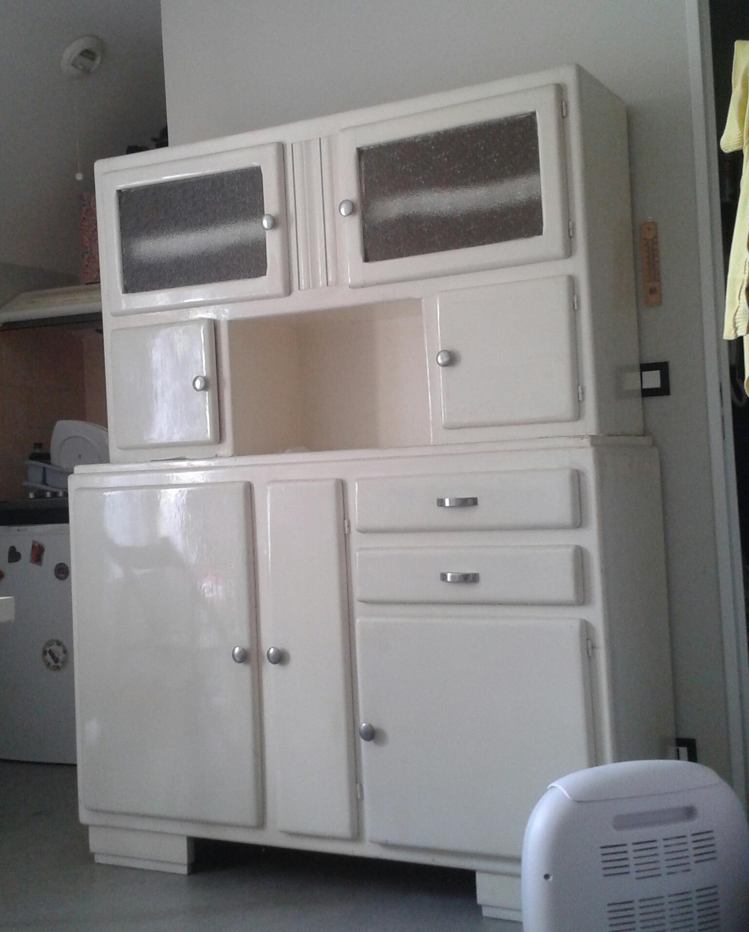 Je restaure un meuble. 427113201506141059361
