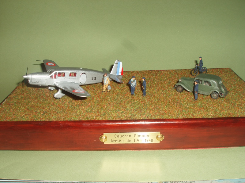 Diorama Caudron Simoun C635 Armée de l 'Air 1940 ! 427501P1010345