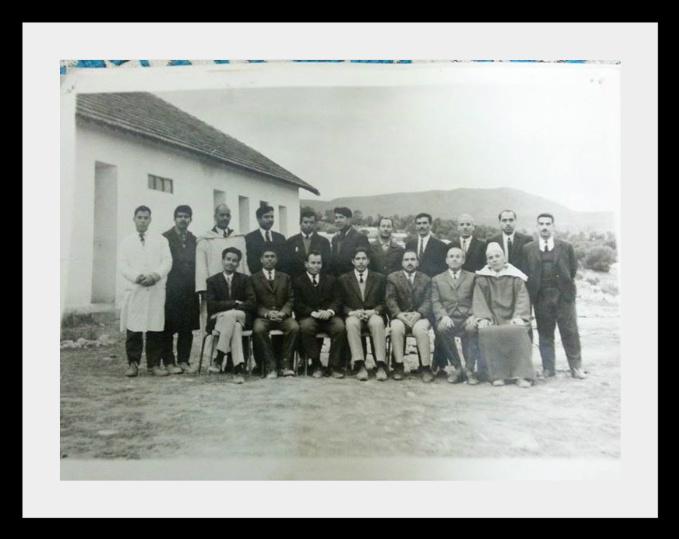 مدرسة الزواقين : صور قديمة لأطر التدريس  والتلاميذ في  الستينيات  43006423z8