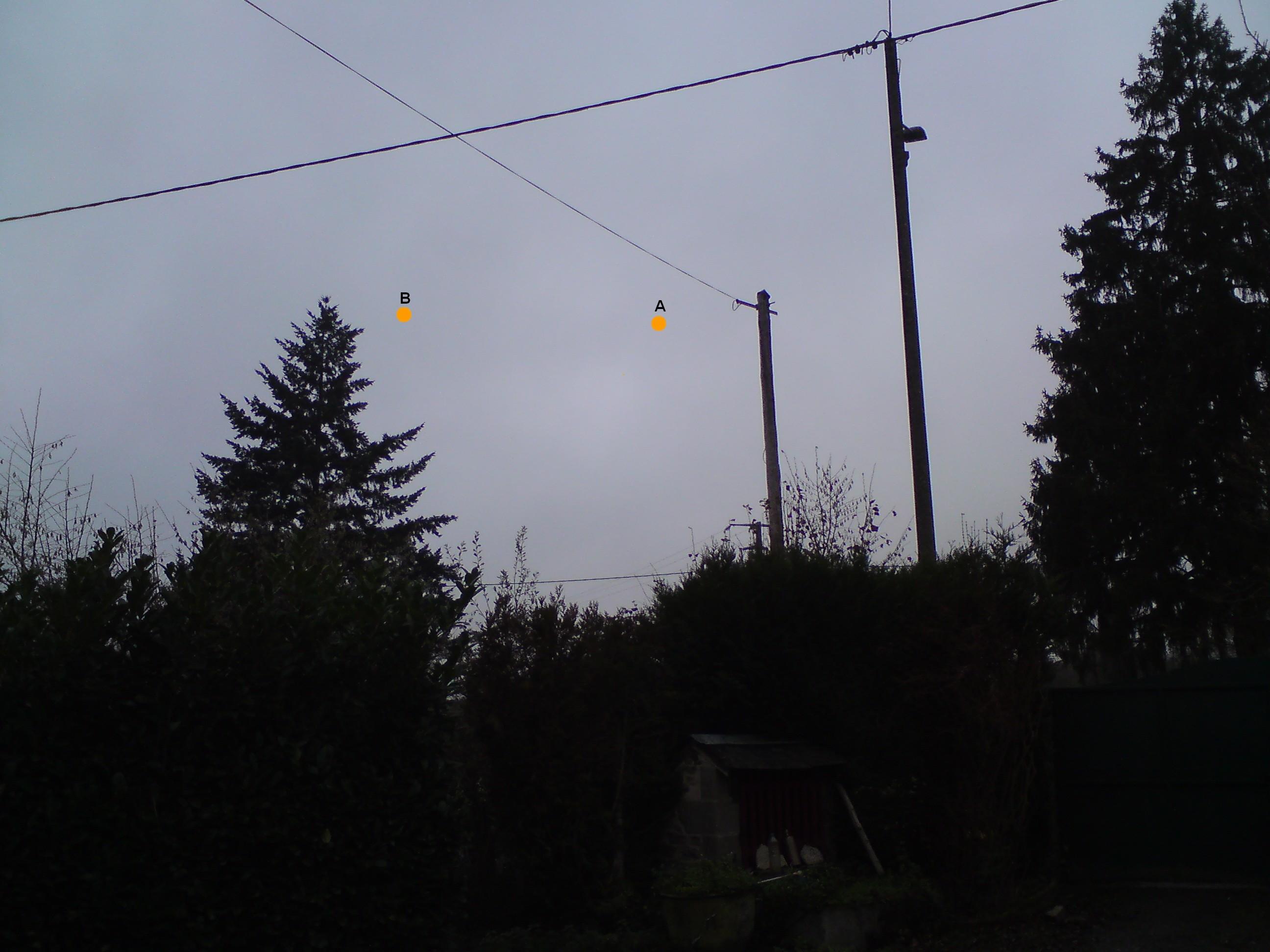 2015: le 03/12 à 20h20 - Boules lumineuses oranges -  Ovnis à Montchevrier - Indre (dép.36) 430895DSC00076