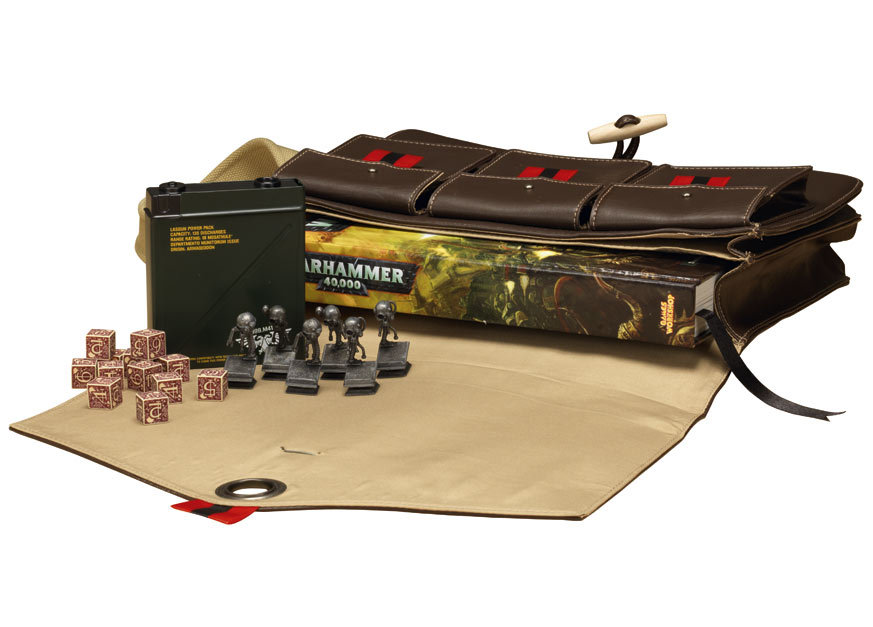 Le Livre de Règles de Warhammer 40,000 - V6 (en précommande) - Sujet locké 431402W40KPlayer2