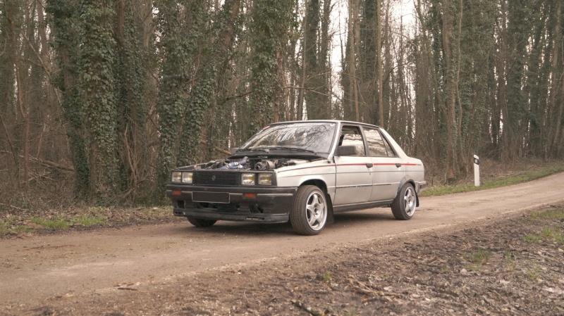 Mimich et sa R9 Turbo (du moins ce qu'il en reste) 433113DSC01045