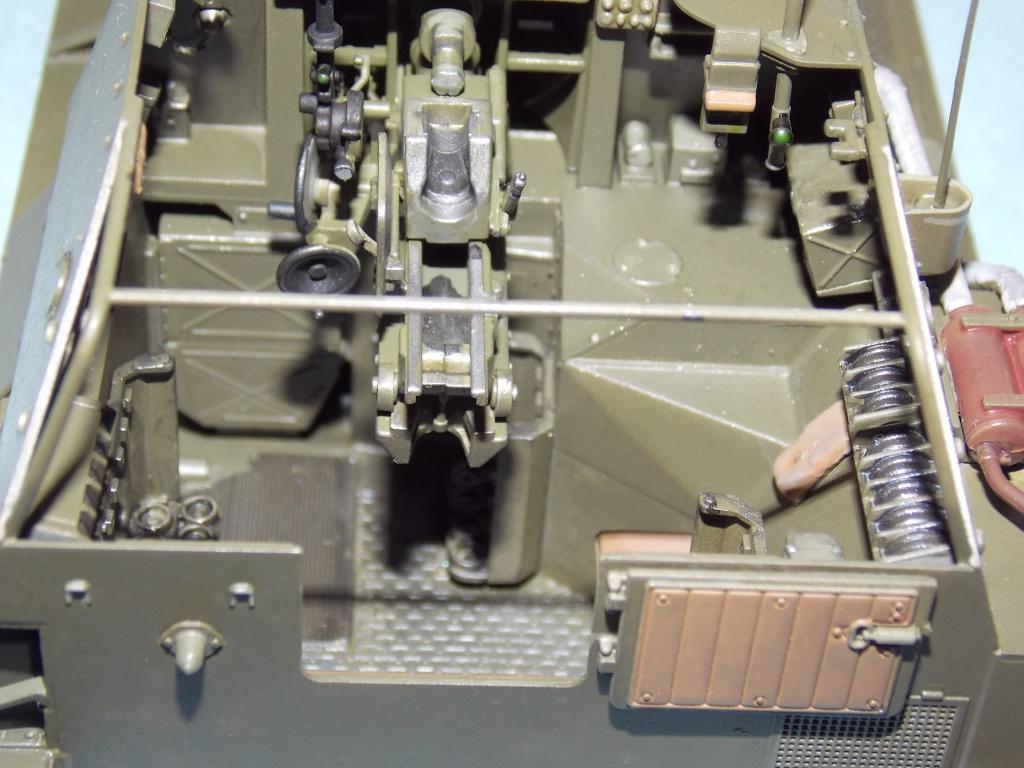 SU 76 M Tamiya et ruine Verlinden 1/35 - Page 4 434703DSCN4361
