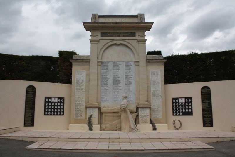 Monument de Beaucaire 434824IMG0184