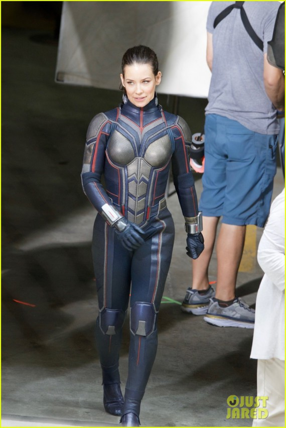 "Ant-Man 2 ""Ant-Man and the wasp"" 18 juillet 2018. - Page 2 437100119antmanandthewaspphototournage"