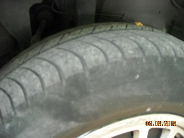 pneus usés sur les cotés 437540DSCN7927