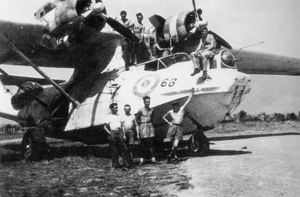 [ Aéronavale divers ] [ 1945-1950 L'histoire des grands oiseaux blancs à tête de loup noir en Indochine 43786446566Agadir1945