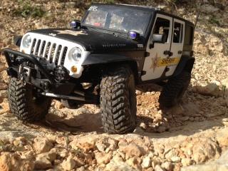 AXIAL SCX10 Jeep JK SHERIFF !! 438036jeepjkSHERIFF5