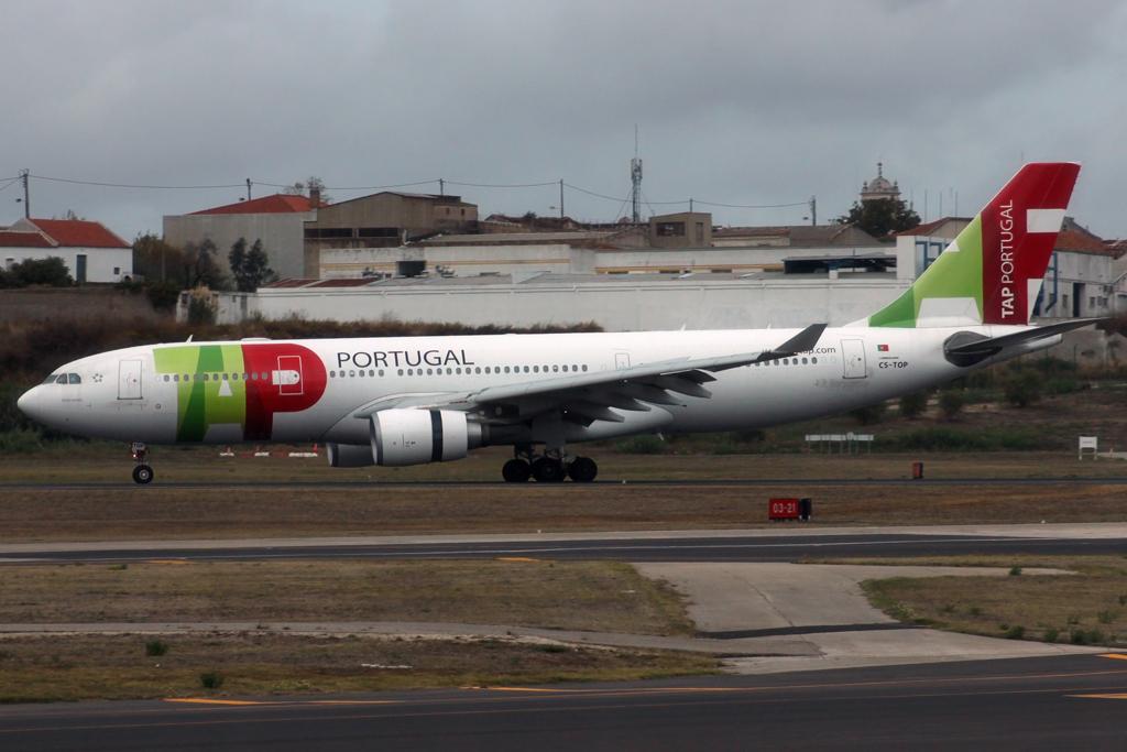 Lisbon Portela by DHL1992 441499IMG2112Copie