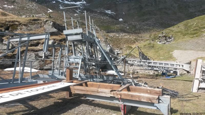 Construction du télésiège débrayable 6 places (TSD6) Roc de Tougne 44585520170603104355