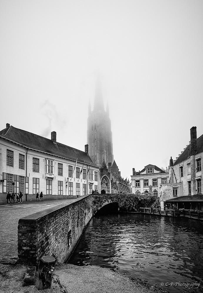 Bruges dans la brume 449112C020039ModifierModifier
