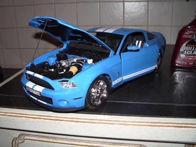 Ford Mustang SHELBY GT 500  2010 de chez revell au 1/12 - Page 2 450632m188