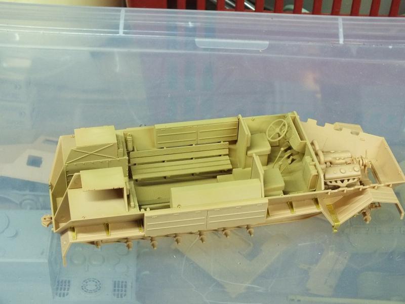 Sdkfz 8 Db 10 Gepanzerte 12 t(trumpeter 01584)  et 88mm Flak37 (Dragon 6287)   450676DSCF6323