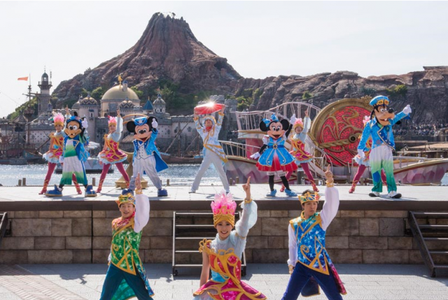 "[Tokyo DisneySea] 15th anniversary ""The Year of Wishes"" (du 15 avril 2016 au 17 mars 2017) 455543w125"