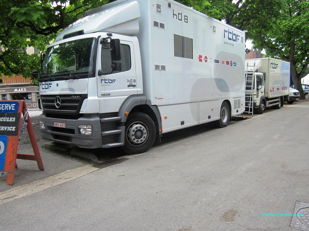 Les camions de la télévision (tous pays) 456734photoscamions16Juillet2012020Copier