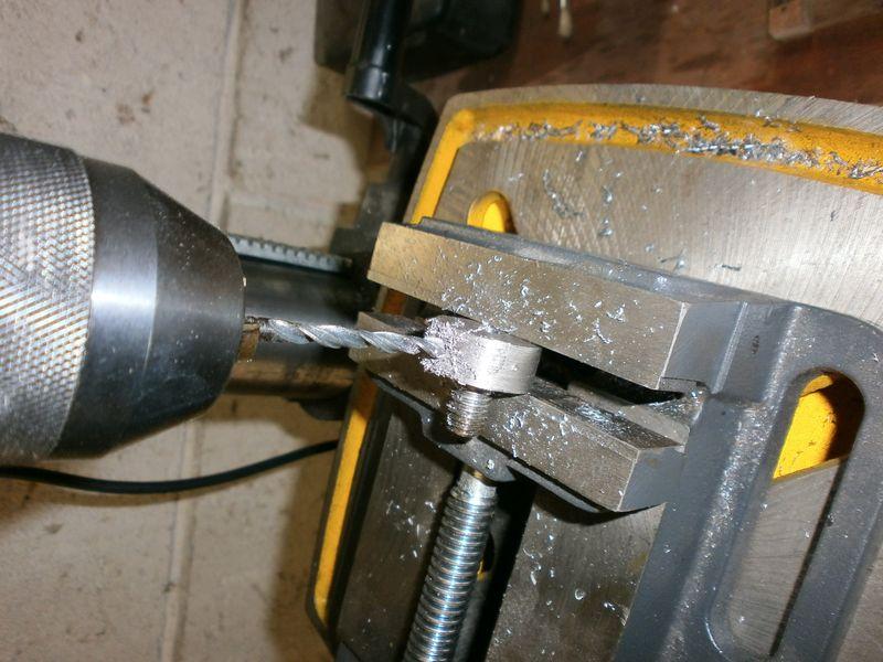 """Fabrication d'un """"bouchon"""" pour mon bac à copeaux pour récupérer le fuide de coupe 457522PB100045"""