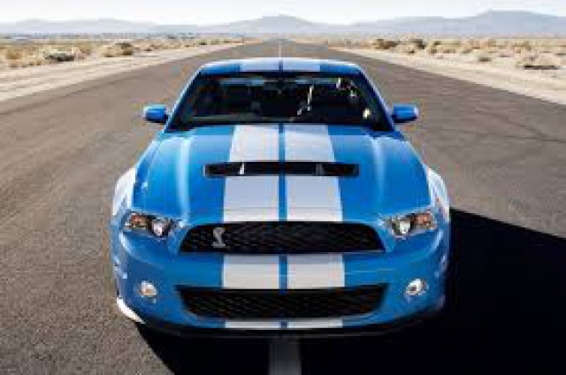 Ford Mustang SHELBY GT 500  2010 de chez revell au 1/12 - Page 2 457913grabberblue1