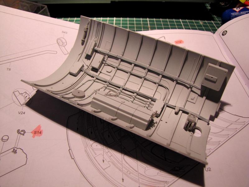 U-552 TRUMPETER Echelle 1/48 - Page 3 45833874zt