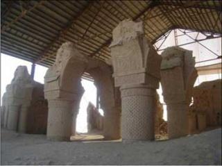 Dans le nord de l'Afghanistan, les mystères de la mosquée des Neuf Dômes 4608149gonbad