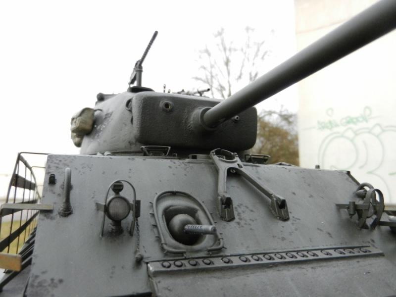 Sherman modifié M4A4 de la 1ère DB  - Page 2 462654M4A3E876mm114948DSCN1671900x675