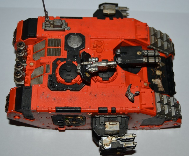 [CDA Armour] Nalhutta : Land Raider Crusader Blazing templars. 462687005