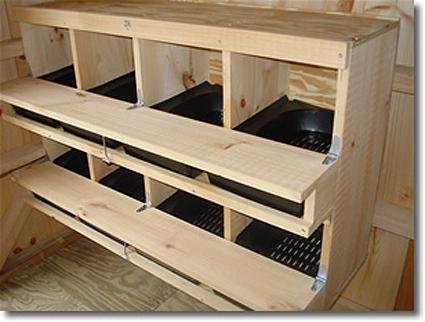 poules - Quelques modèles de pondoirs pour nos poules 464660coop4sm