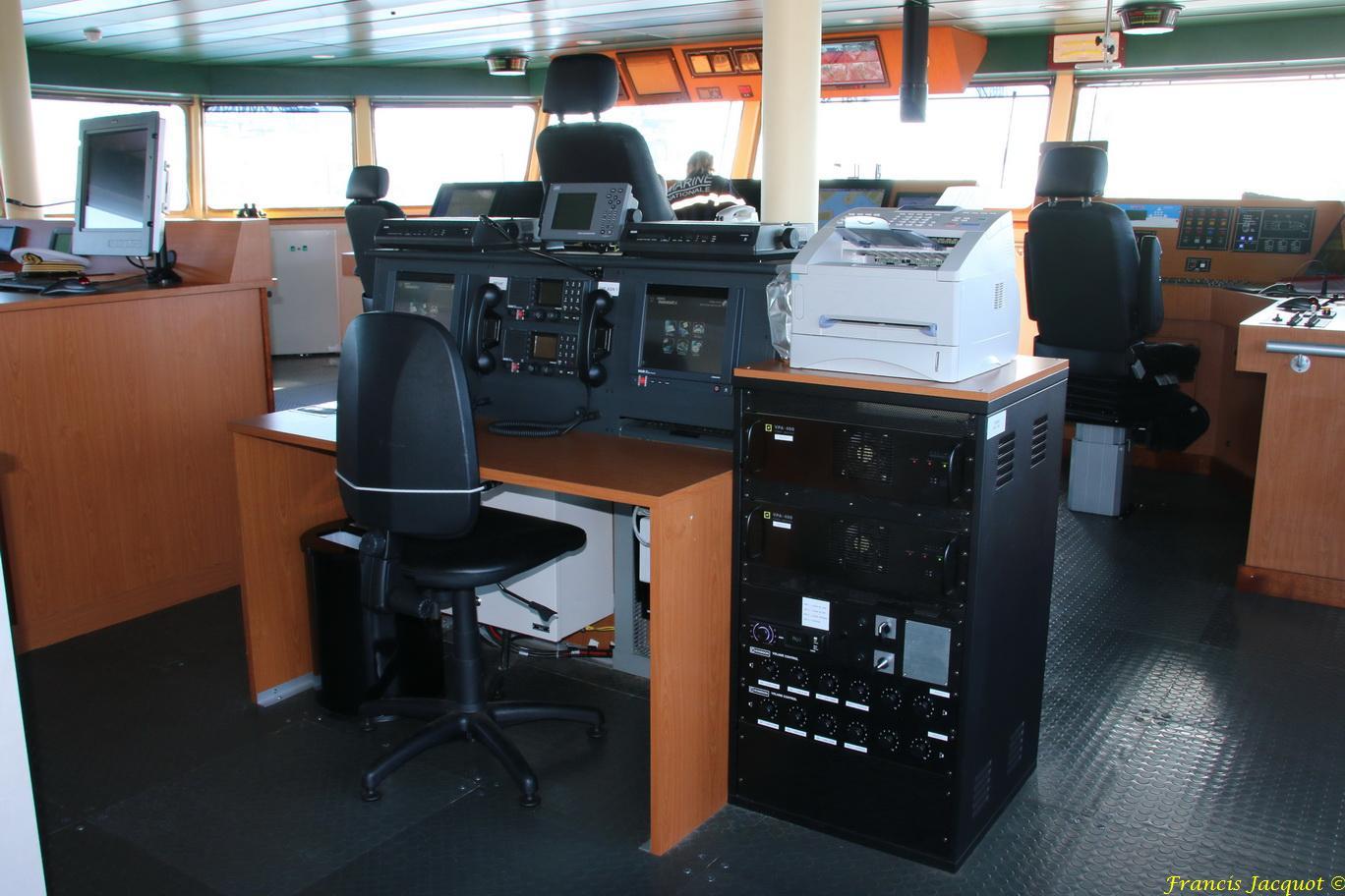 LOIRE BSAM (Bâtiment de Soutien et d'Assistance Métropolitain) 466904IMG10005Passerelledenavigation