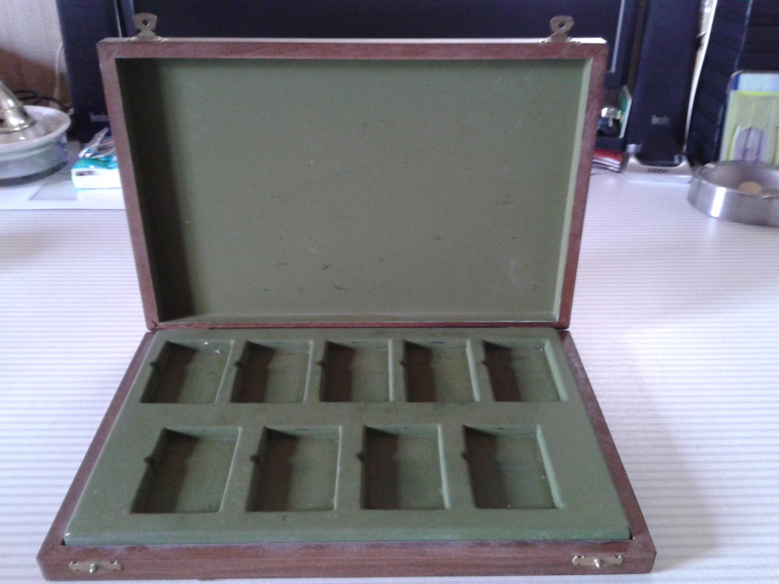 Les boites Zippo au fil du temps - Page 2 467617MarmotteChevigne19882