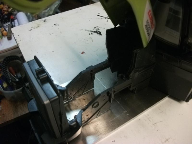Xérion 5000 chenillé à boite 3 vitesses articulé en base carrosserie Bruder. Au 1/14 469709Xrion5000partirdeBruder004