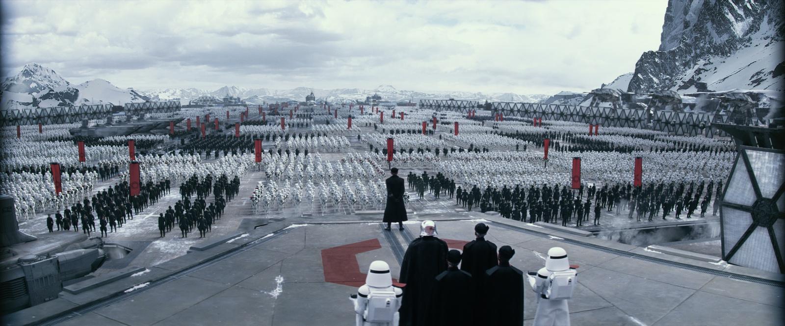 [Lucasfilm] Star Wars : Le Réveil de la Force (2015) 47023399w6