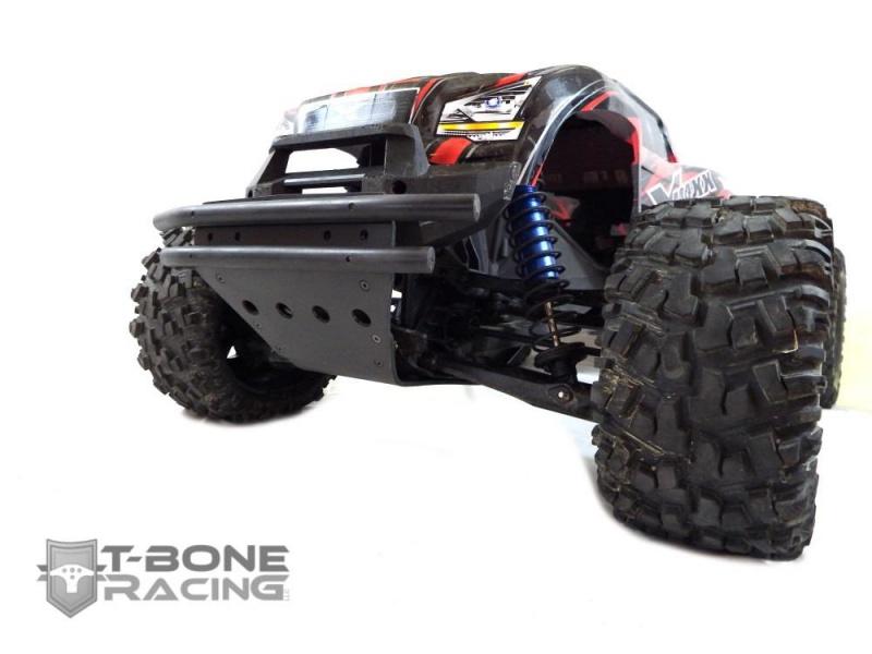 T-Bone Racing sort des chocs avec roulettes anti cabrage et des protections de triangles AV/AR 470649XMaxxXVFront653943146074144312801280