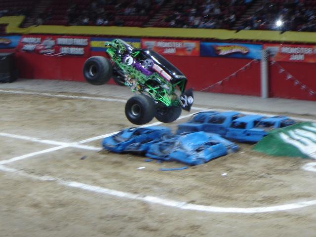 Double Backflip en monster truck ! 470918DSC01903