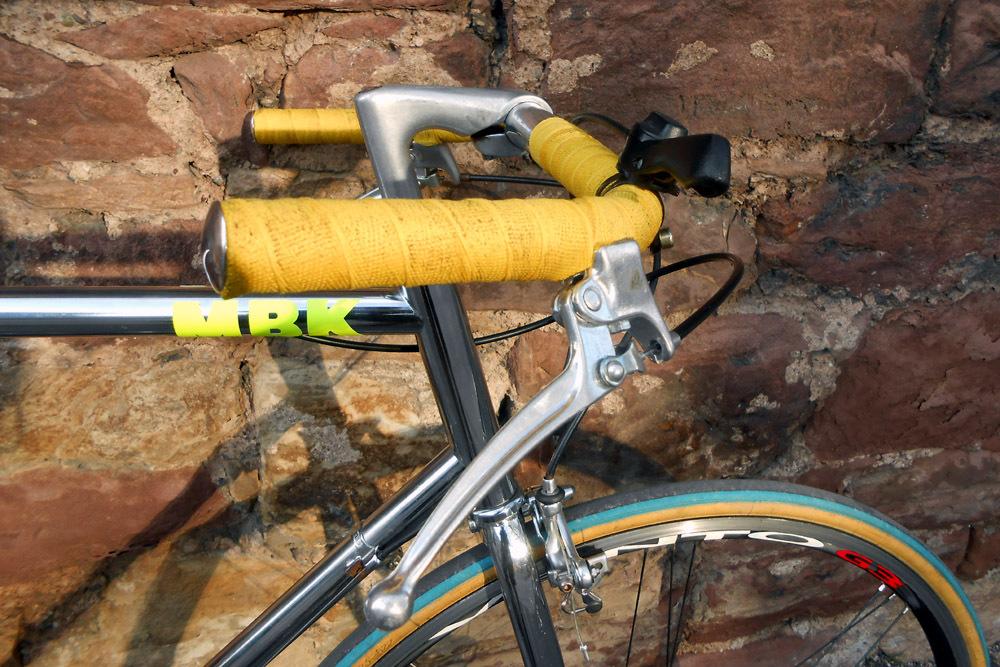 Un machin chromé... topbike? 475496DSCN97481