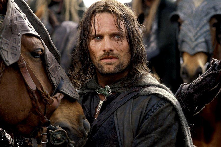 Le Seigneur des Anneaux / The Hobbit #3 475757KingAragornaragorn7652255900602