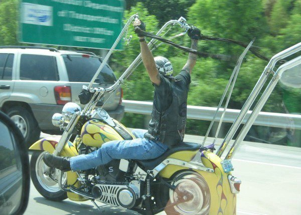 Humour en image du Forum Passion-Harley  ... - Page 3 477300apehanger2