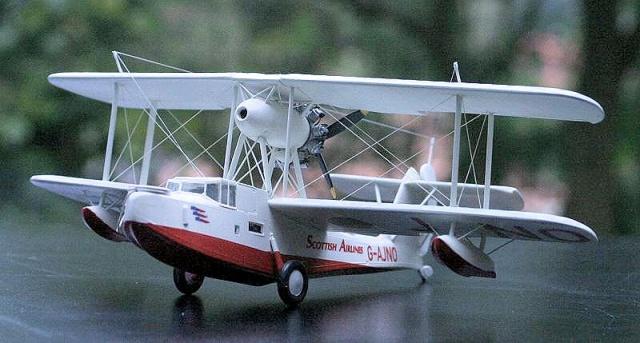 Un p'tit baigneur volant  à grandes quenottes... 477862walrus02