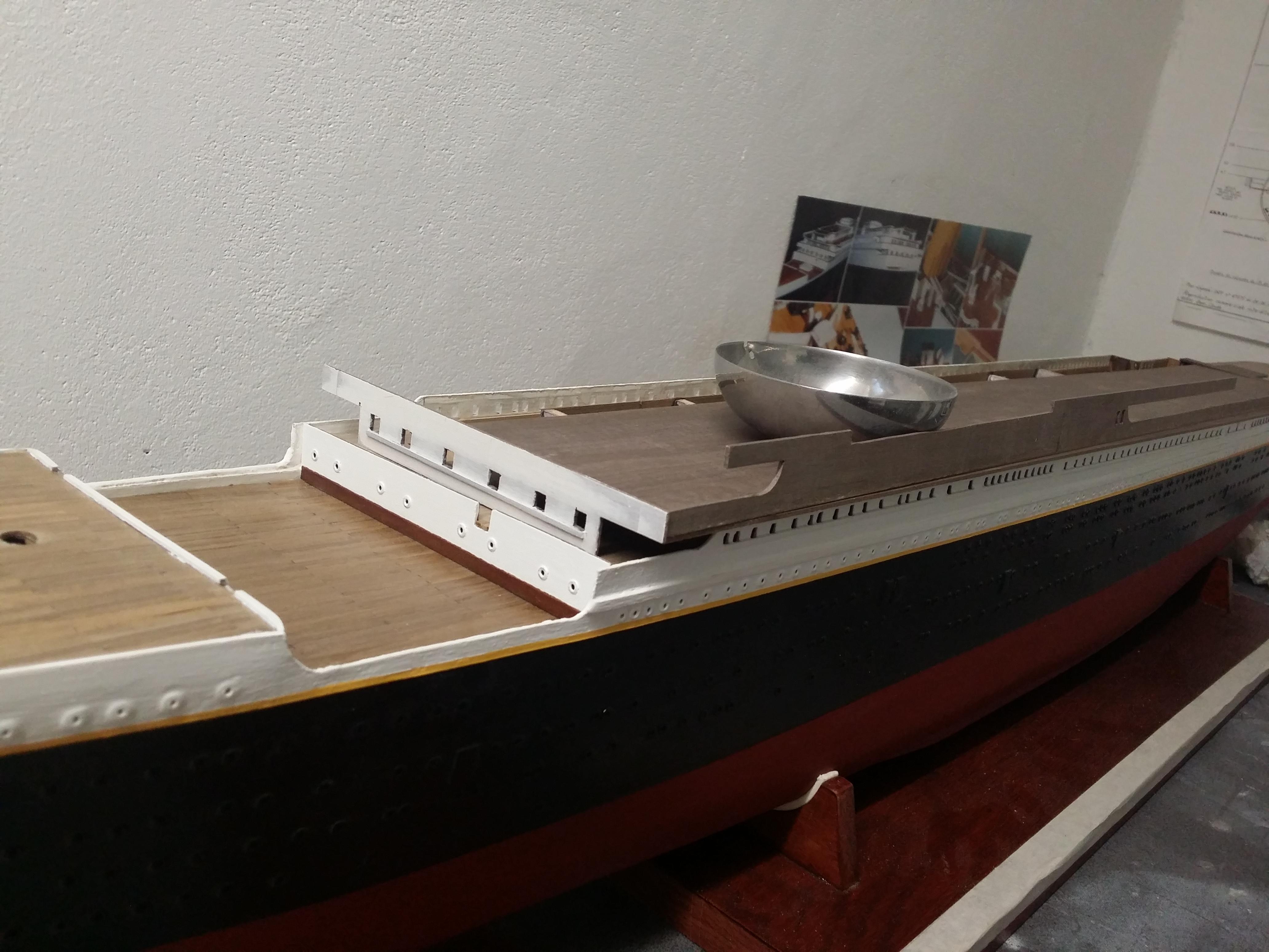RMS Titanic sur plan   au 1/200 - Page 2 4813907667